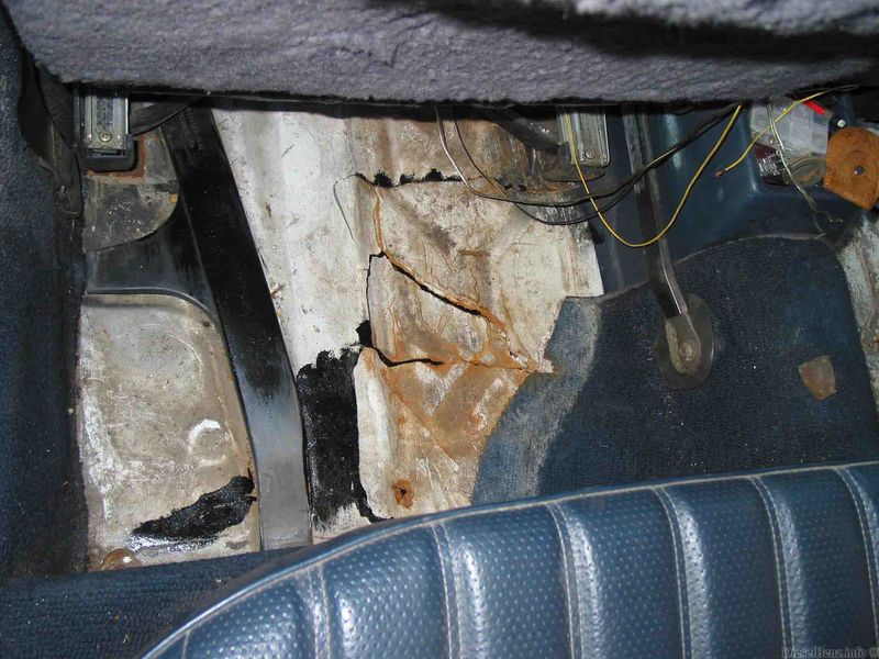 Floorboard rust06.jpg